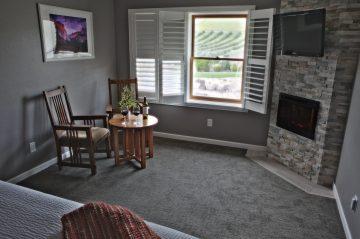 lounge area in Rustlers room