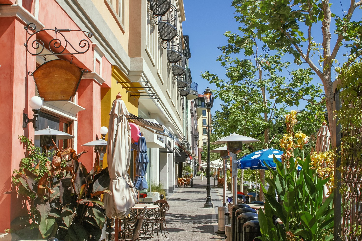 A row of wineries and boutique shops in downtown San Jose.