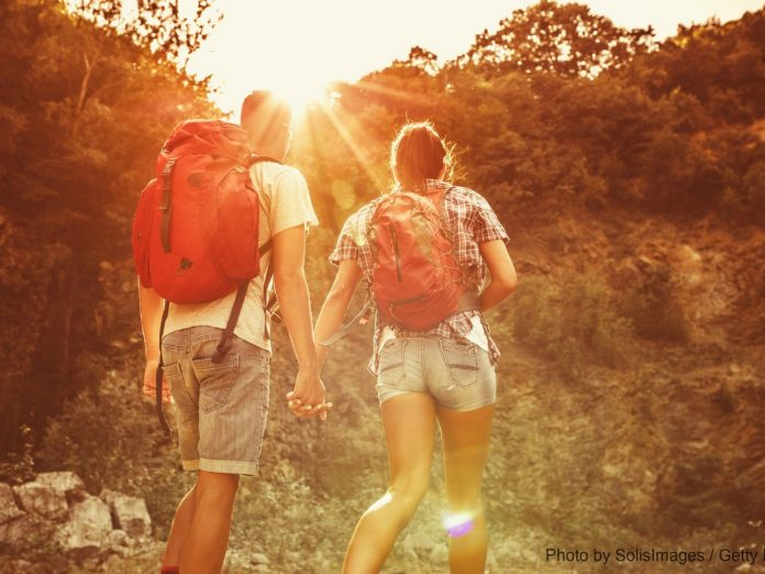 Couple hiking in Sycamore Grove Park in Livermore.